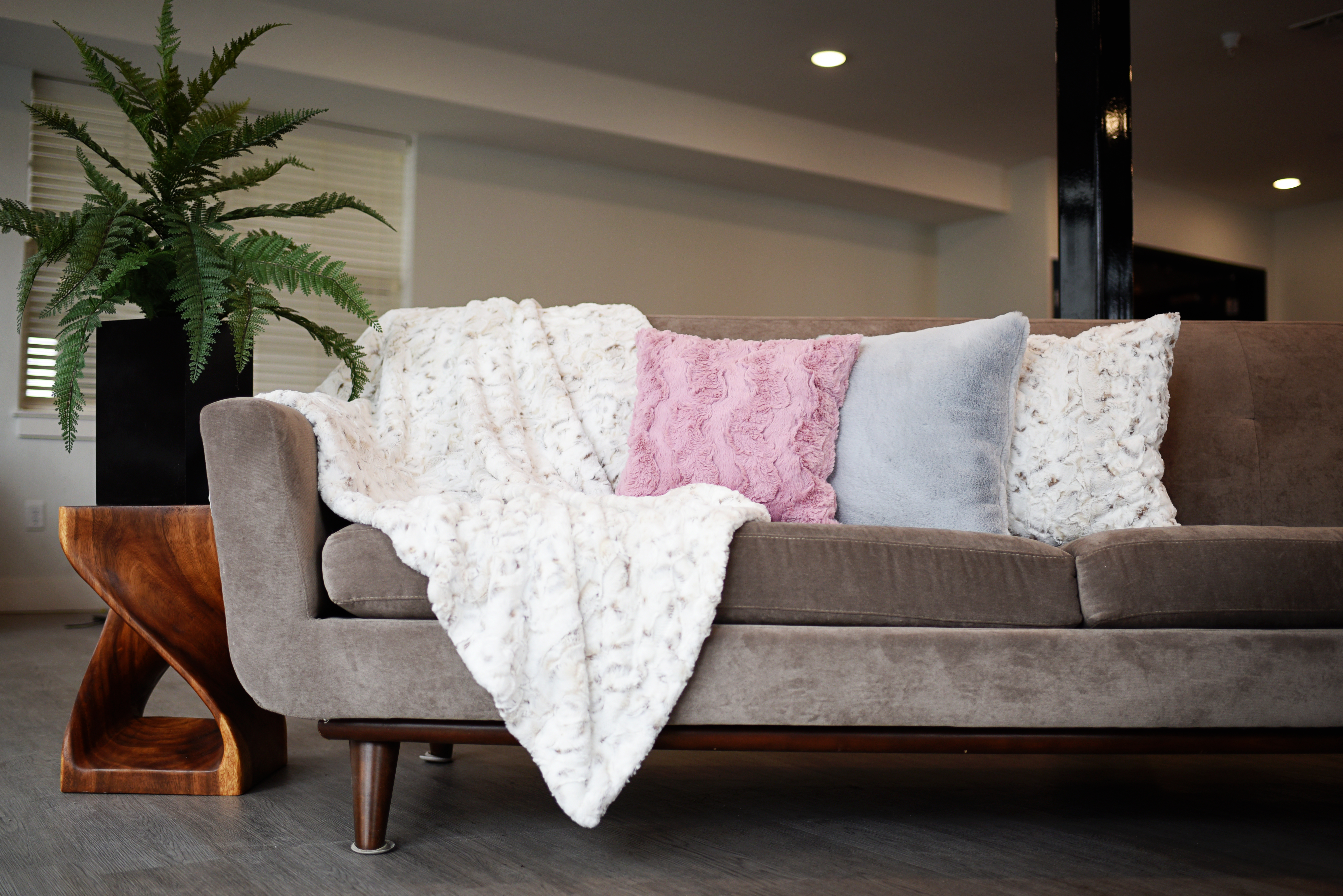 image of minky pillows & throws