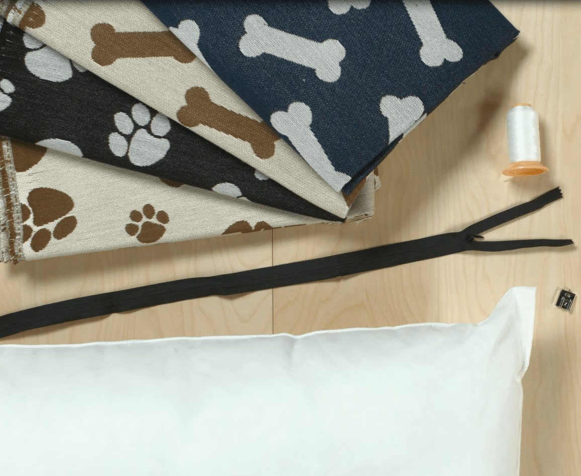 Diy Dog Bed Tutorial This Quick And Easy Tutorial Gives You The All The Tools You Need To Sew Two Pet Bed Sizes Small And Large With Crypton Stain And Odor