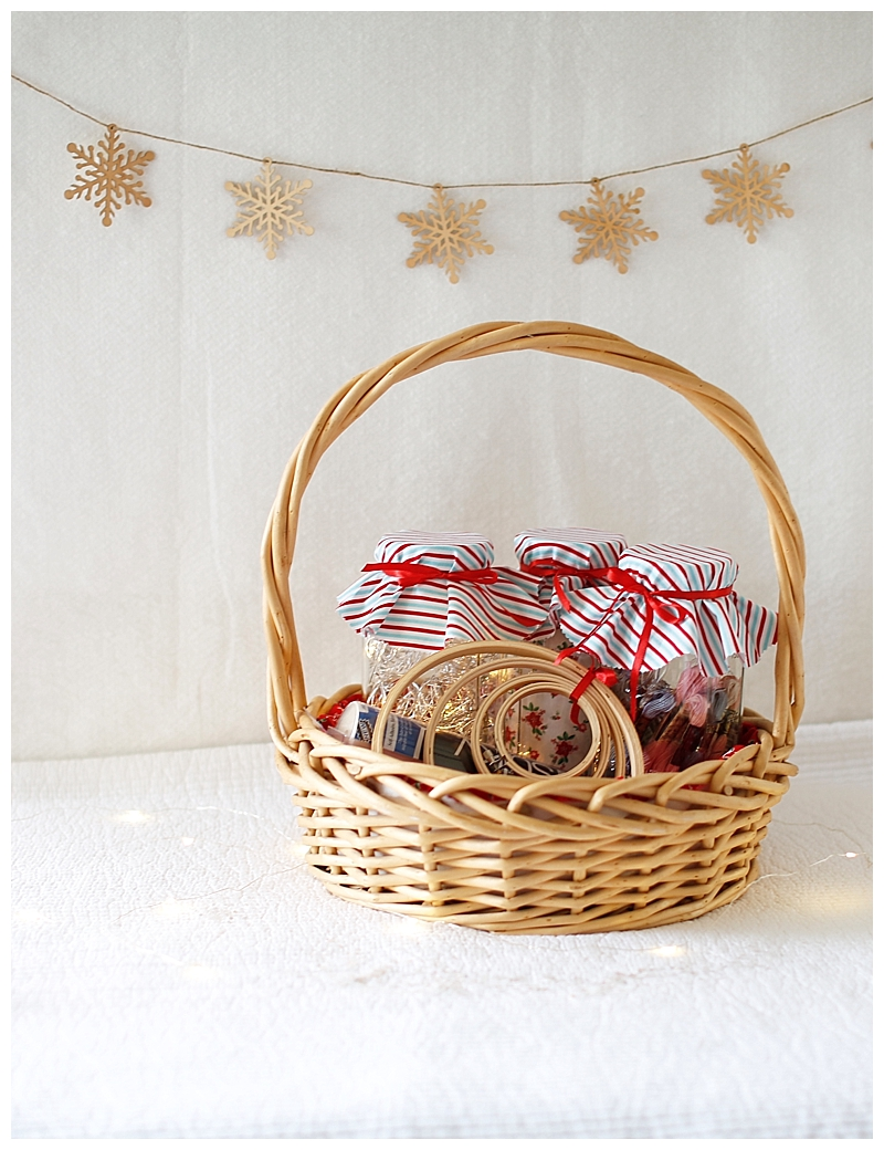 Fabric Gift Baskets | Learn how to line a simple basket with fabric ...