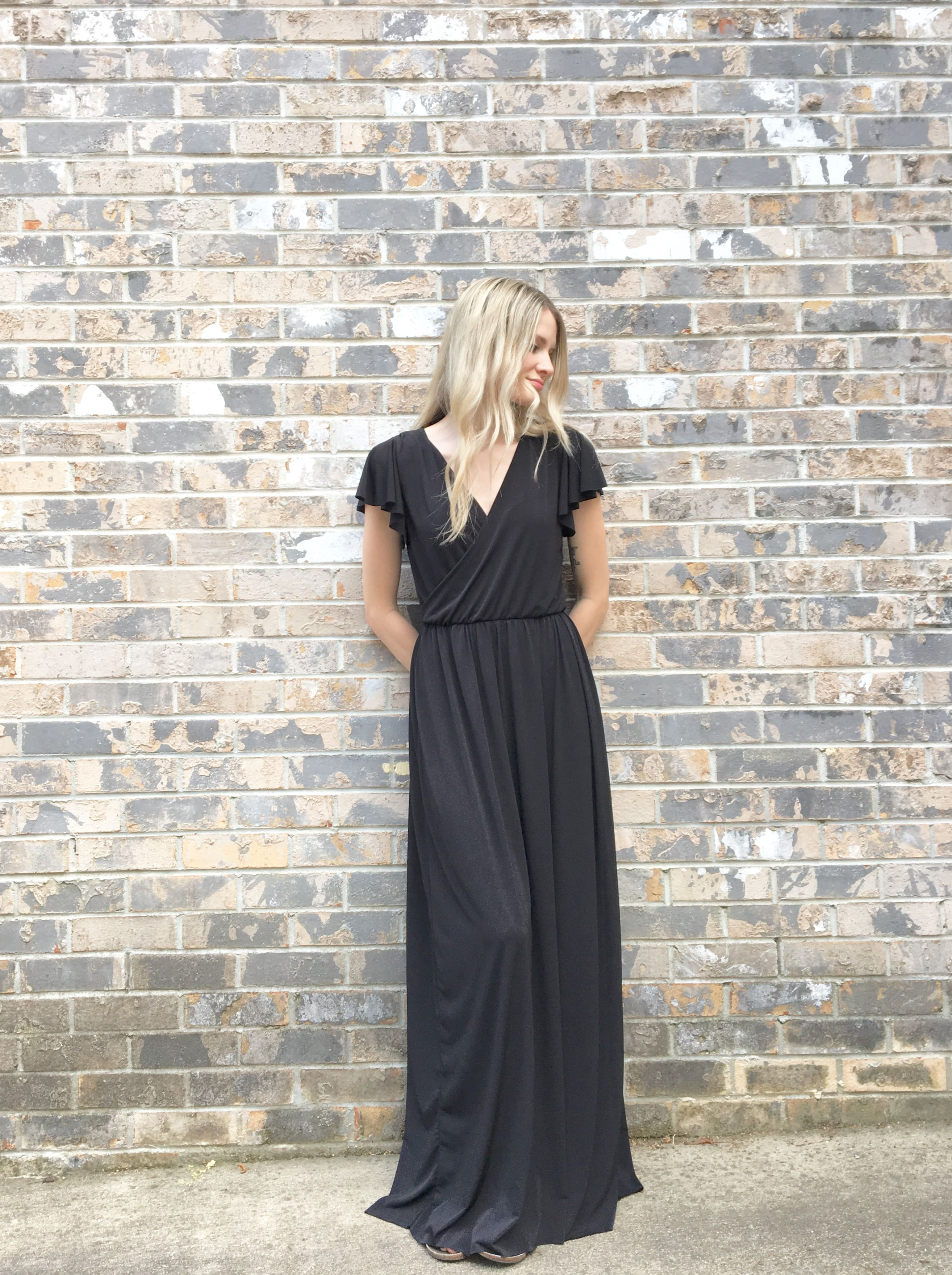 4e79083cb9 Choosing the Perfect Knit for Summer Maxi Dresses
