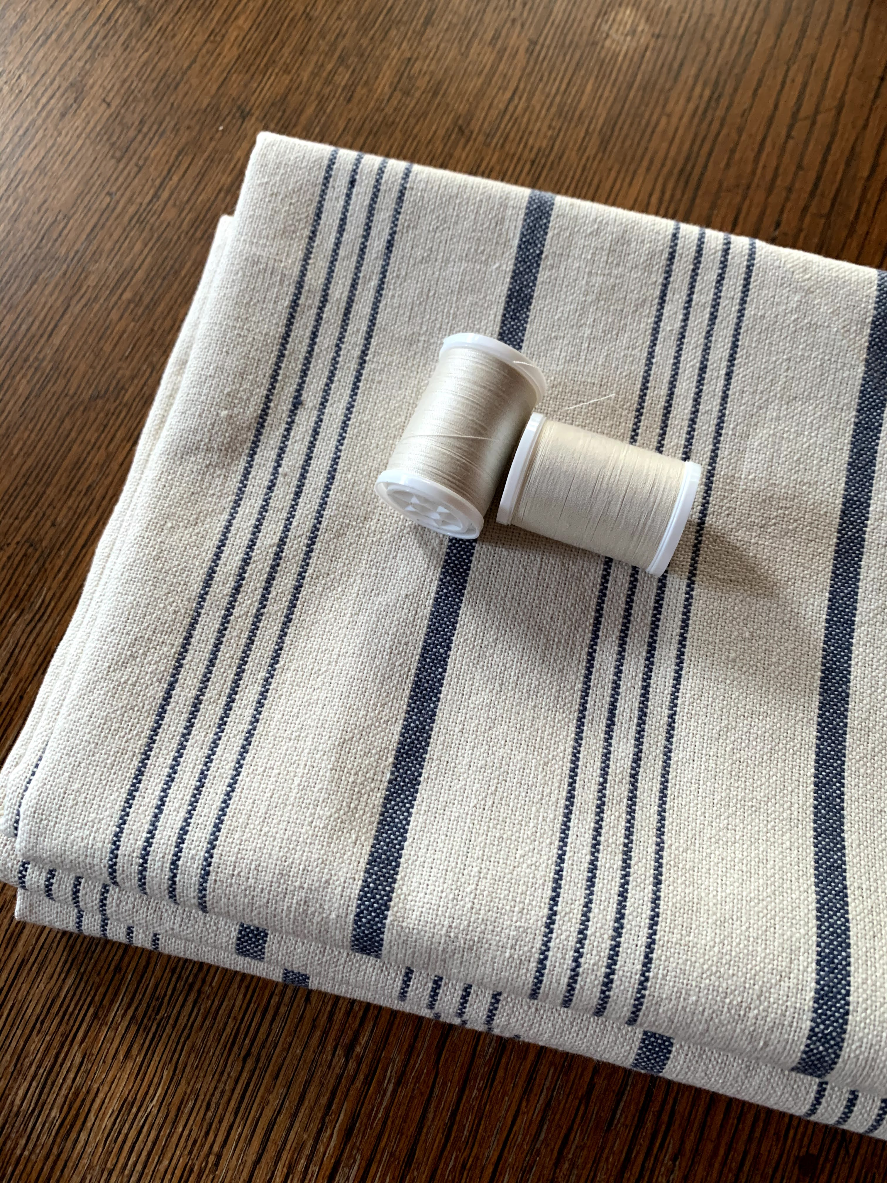 picture of striped linen fabric